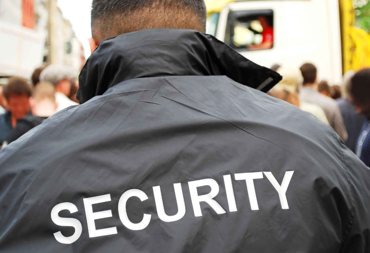 How to hire trustworthy security guards