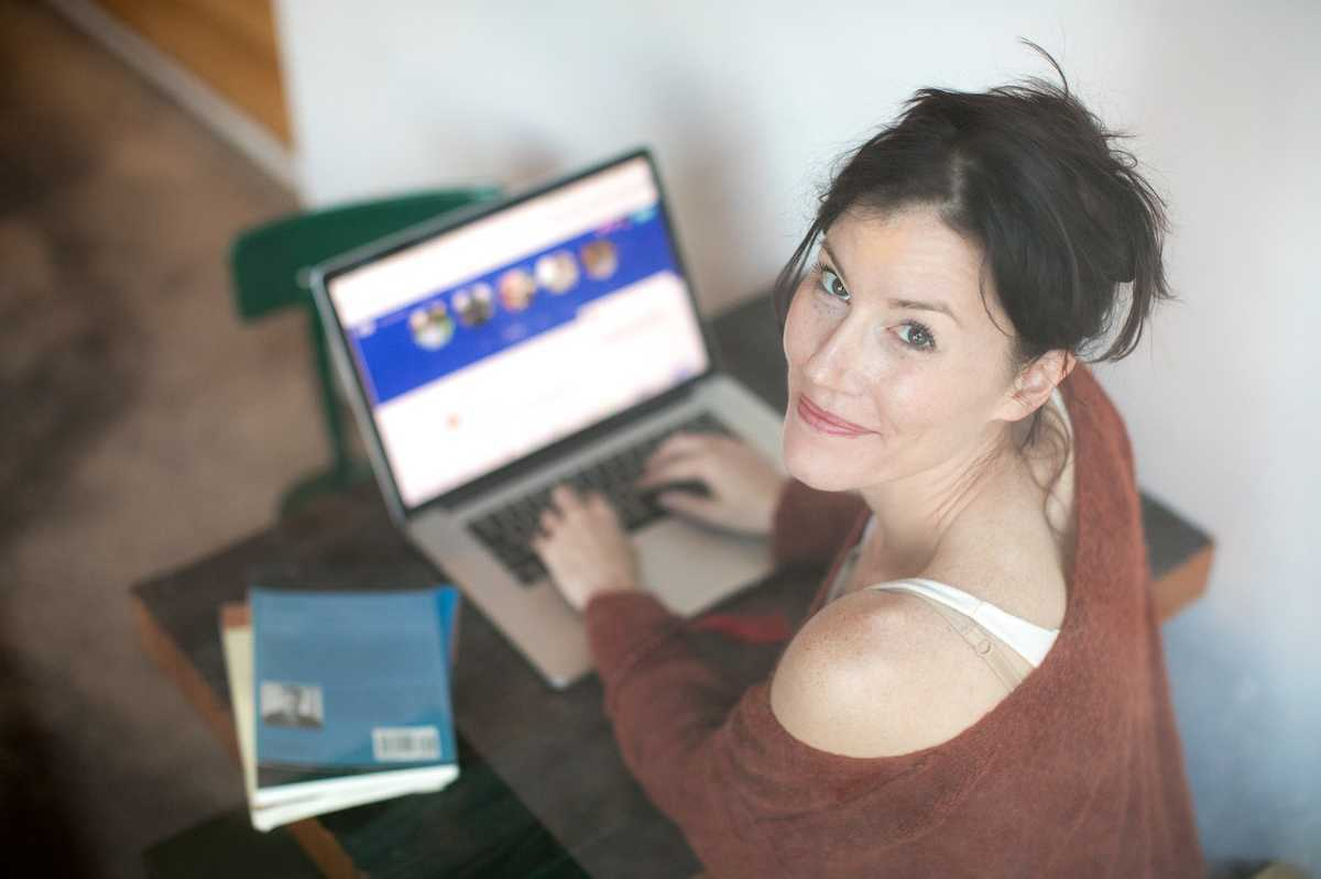 Spot and avoid online dating scams