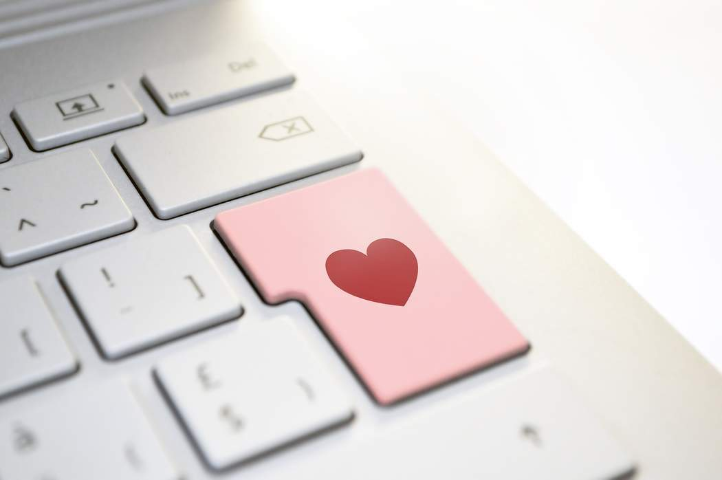 Watch out for these online romance scam signs